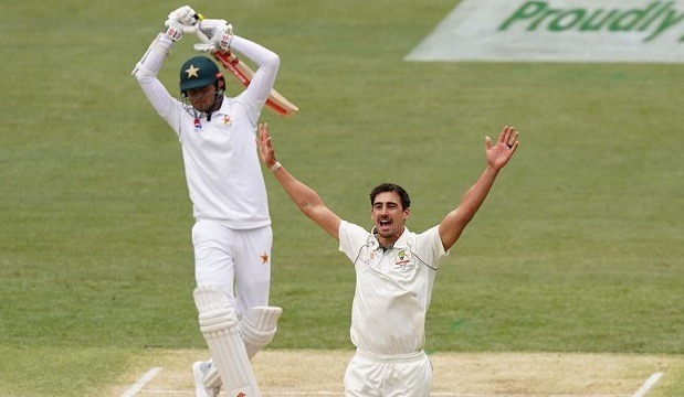 Top orders of the team failed as usual and so, their innings finished scoring 302 runs. The Aussie pace bowler Mitchell Starc destroyed Pakistan's first innings!