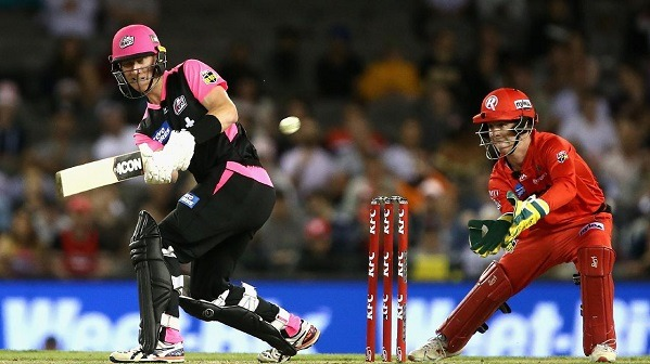 Sydney Sixers beat Renegades by 6 wickets!