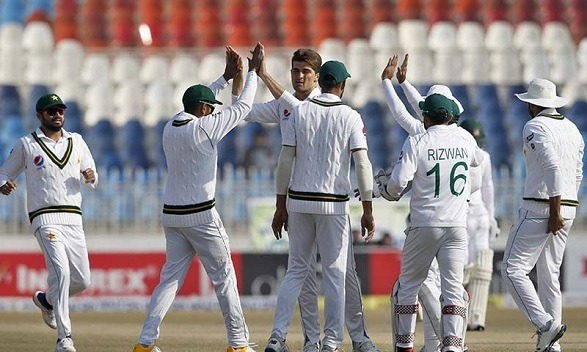 Pakistan won the 1st Test by an innings and 44 runs!