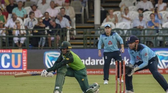 South Africa beat England by 7 wickets!