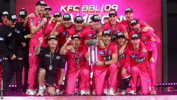 Sydney Sixers lifted their 2nd BBL trophy!