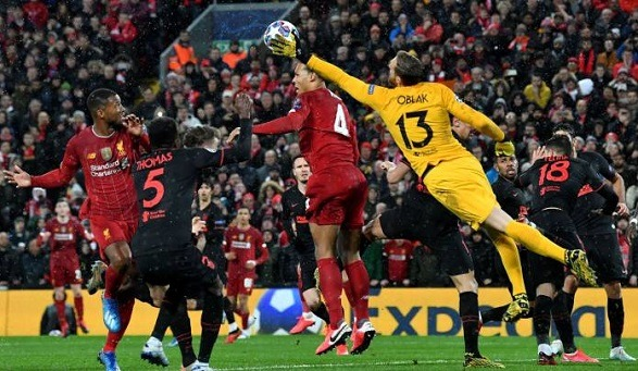 Atletico goalkeeper Oblak beat the Reds at the Anfield!