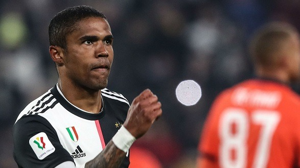 Douglas Costa has left Italy because of the Coronavirus!