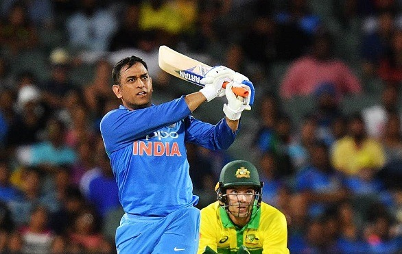 MS Dhoni should not be forced to take retirement!